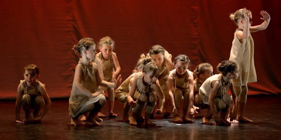 """""""Tout être humain porte en lui un danseur"""" R.Laban"""